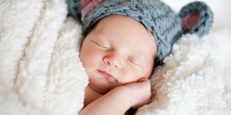 30 Saniyede Bebek Nasıl Uyutulur