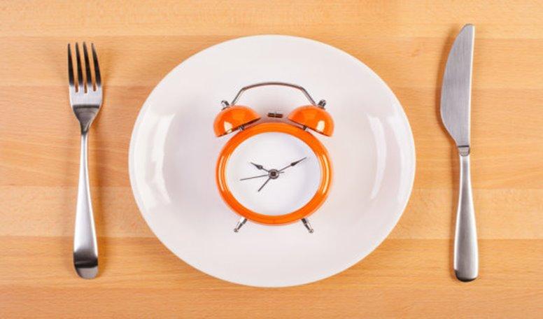 16:8 Metodu ile İstediğiniz Kadar Yemek Yiyerek Kilo Verin
